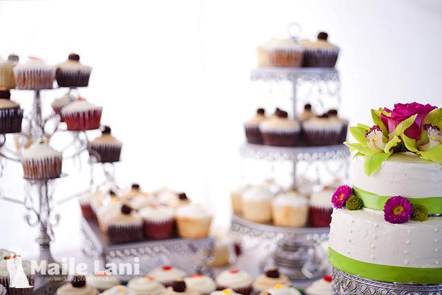 Unique Wedding Cupcake Stand