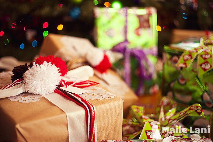 Christmas Package Wrapping Pom Pom Snowflake Kraft Paper