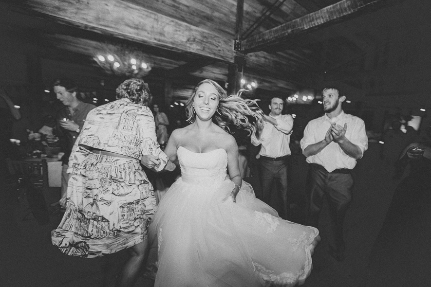 53_heartwood_hall_memphis_wedding