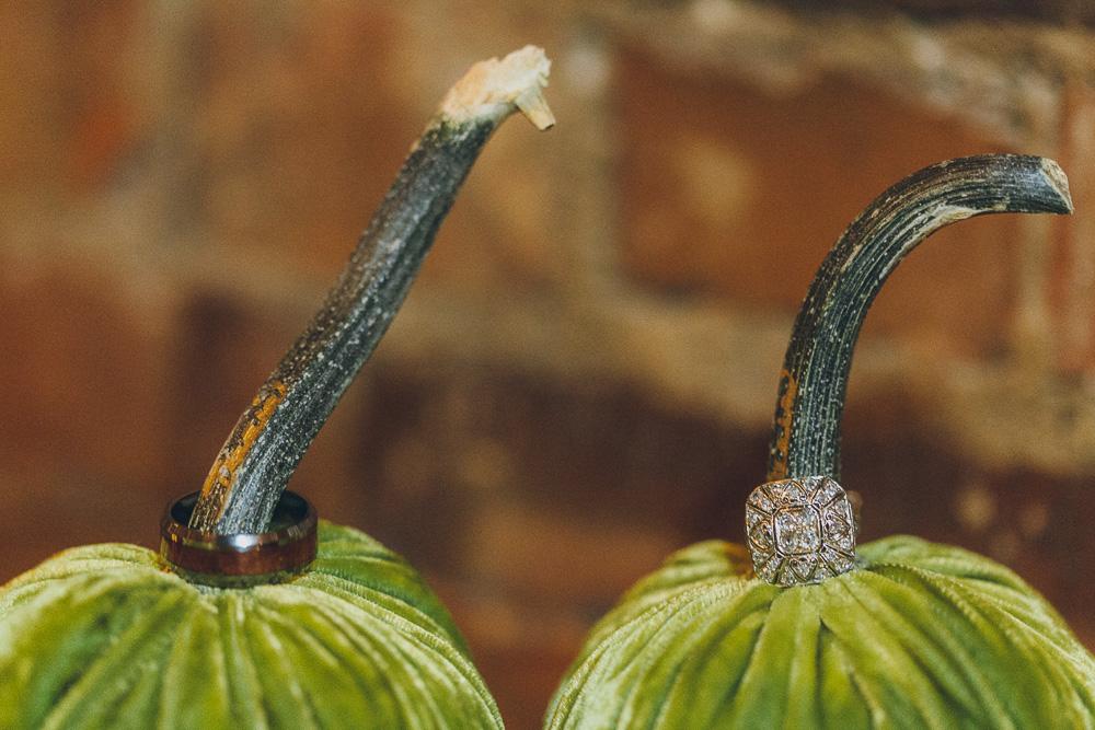 velvet-pumpkin-wedding-ring-059