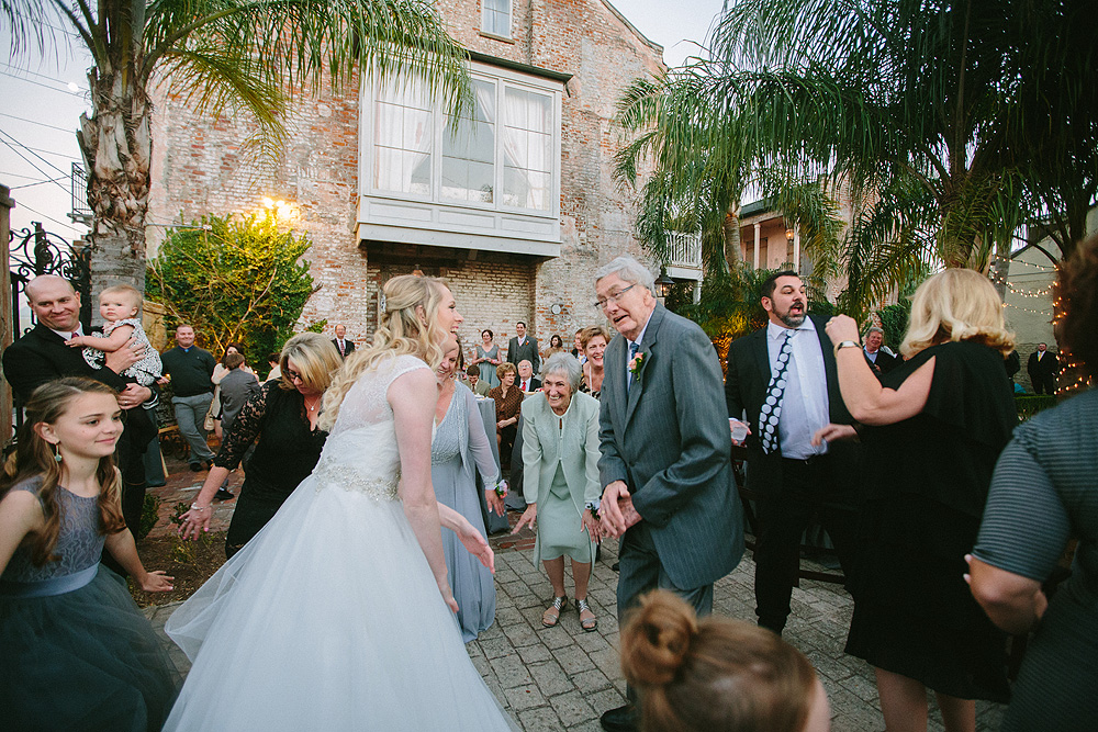 24-race-and-religious-new-orleans-wedding-photos